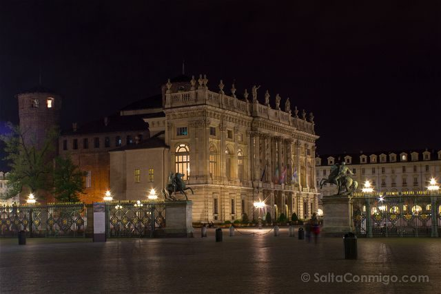Italia Turin Palacio Madama Exterior Nocturna
