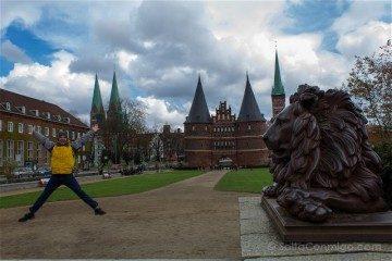 Alemania Lübeck Holstentor Salto