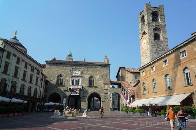 Italia Bergamo Piazza Vecchia Plaza Vieja