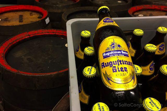 Austria Salzburgo Cerveceria Agustinos Barriles Botellas