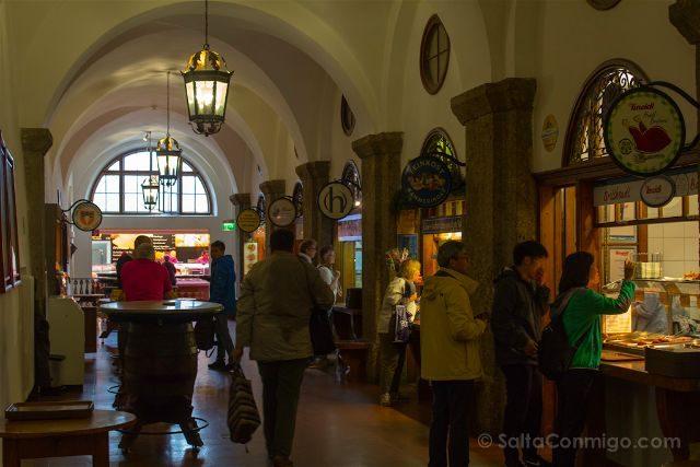 Austria Salzburgo Cerveceria Agustinos Puestos Comida