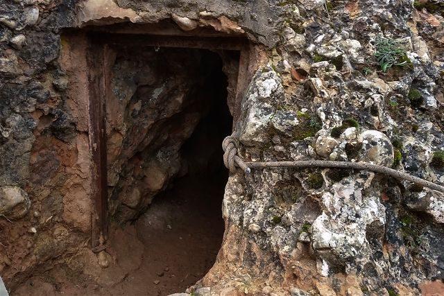 Castilla Leon Burgos Cueva Fuentemolinos Acceso