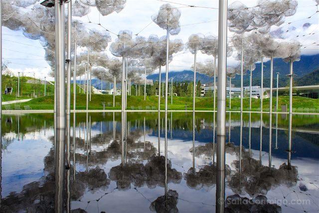 Austria Innsbruck Wattens Mundo Cristal Swarovski Nubes Reflejo