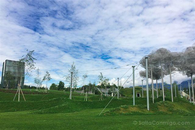 Austria Innsbruck Wattens Mundo Cristal Swarovski Nubes Torre Juegos