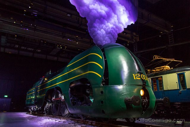 Belgica Bruselas 100masters Trainworld La Douce Locomotora