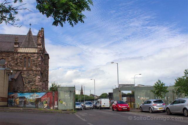 Irlanda Norte Belfast Puerta Muro West Belfast