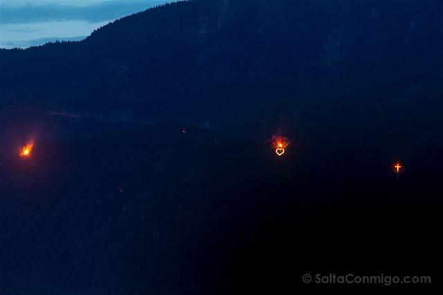 Italia Alto Adige Sudtirol Bolzano Fuegos Hogueras Herz-Jesu-Feuer