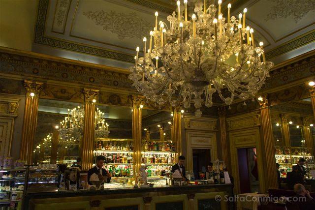 Italia Turin Cafe Historico San Carlo Interior Barra