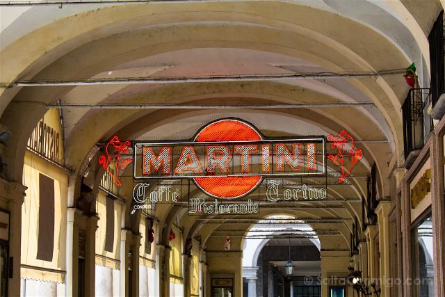 Italia Turin Cafe Historico Torino Exterior Neon