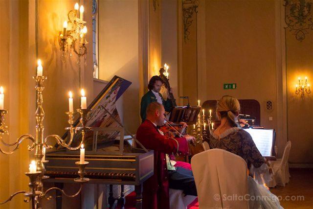 Austria Salzburgo Mozart Dinner Concert Musicos