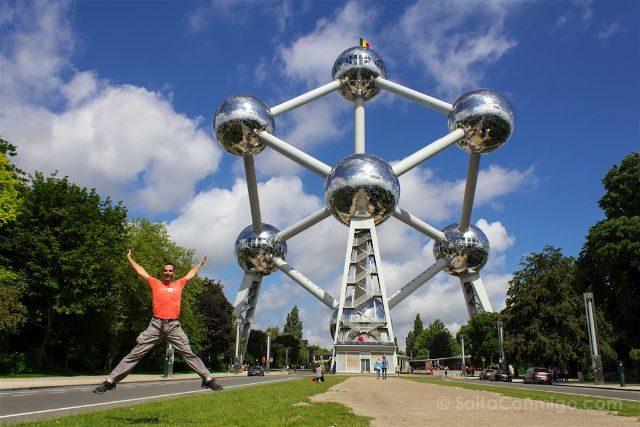 BelgicaBruselas Atomium Salto