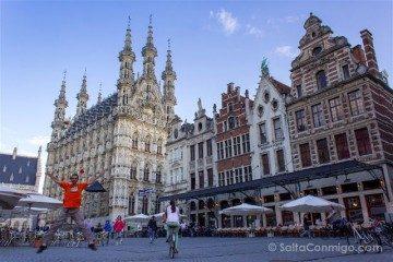 Belgica Flandes Lovaina Grote Markt Salto