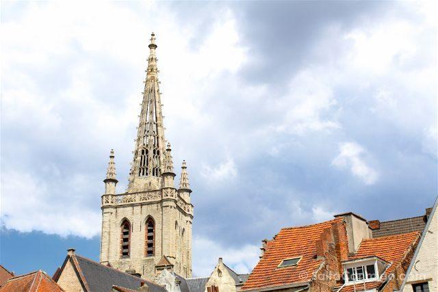 Que ver en Lovaina Bélgica Iglesia San Gertrudis Sint-Geertruikerk Torre