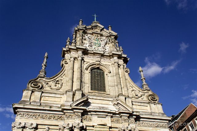 Que ver en Lovaina Bélgica Iglesia San Miguel Sint-Michielskerk Fachada