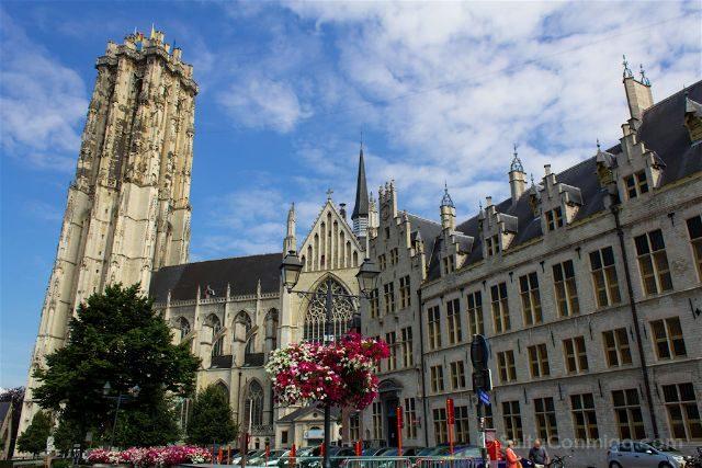 Belgica Flandes Malinas Catedrla San Romualdo Torre