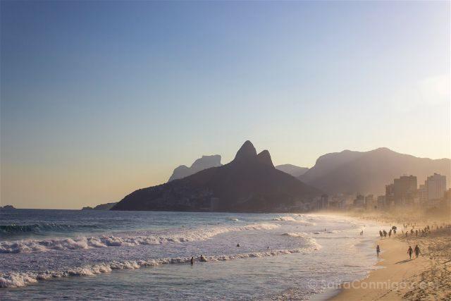 Brasil Rio De Janeiro Playa Ipanema Atardecer Arena