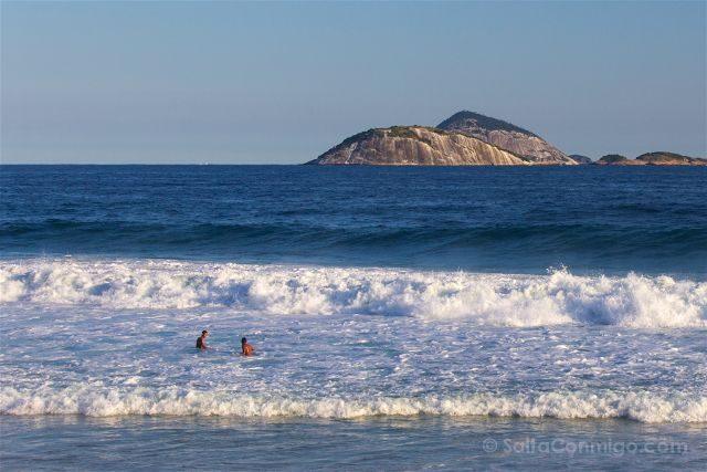 Brasil Rio De Janeiro Playa Ipanema Fuerza Agua