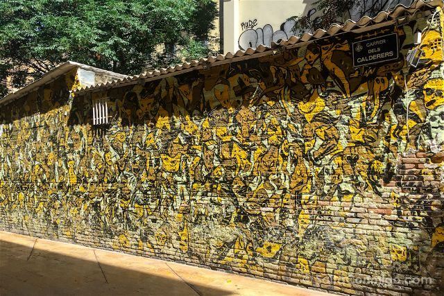 Grafitis Valencia Plaza Tossal Fasim Stop War Victim's Wall