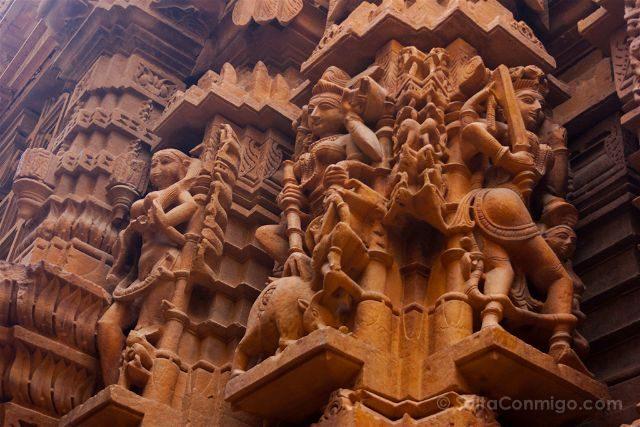 India Rajastan Jaisalmer Haveli Templo Jainista Columnas