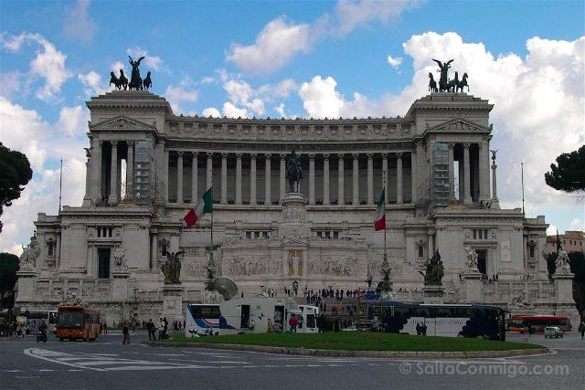 Italia Roma Piazza Vittorio Emanuelle II