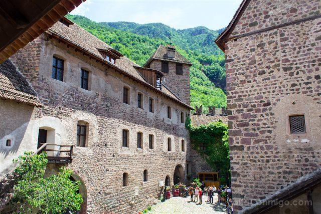 Italia Sudtirol Alto-Adige Bolzano Castel Roncolo Patio