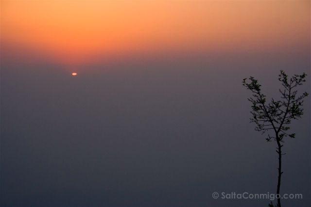 Nepal Nagarkot Amanecer Niebla