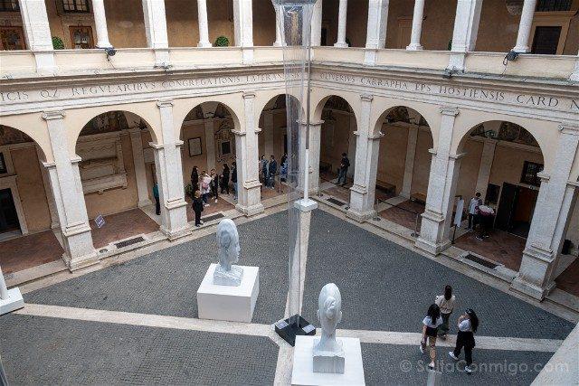 Que ver en Roma Iglesia Santa Maria Pace Claustro