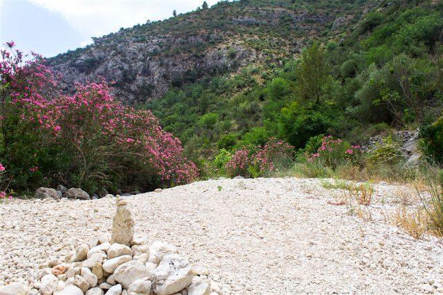 alicante barranc de l'infern barranco infierno senderismo torrente marca piedras