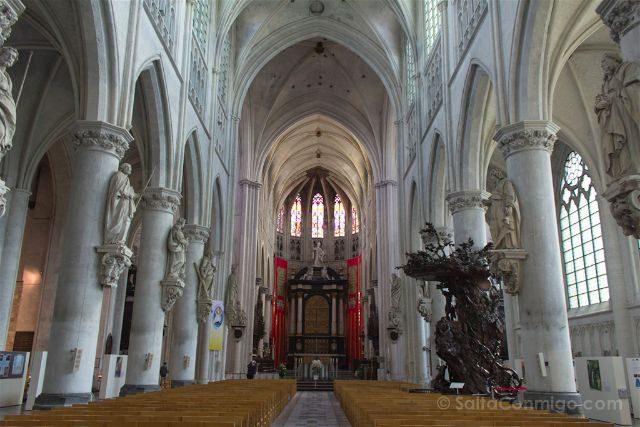 que ver en Malinas Flandes catedral san rumoldo interior