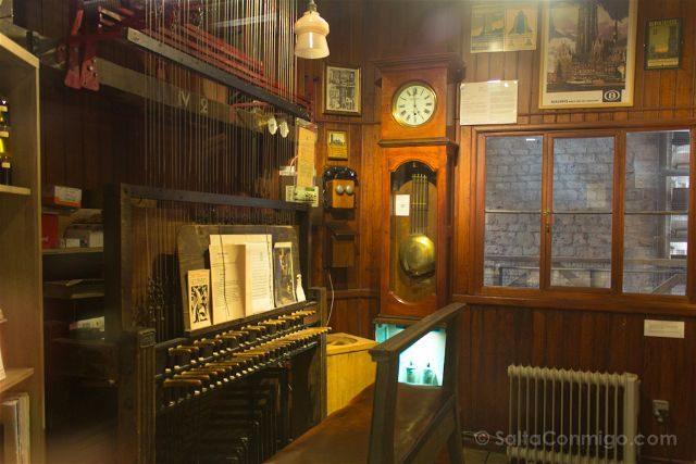 que ver en Malinas Flandes catedral torre san rumoldo teclado carillon