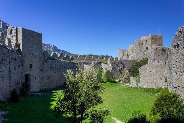 francia aude pais cataro castillo puilaurens patio