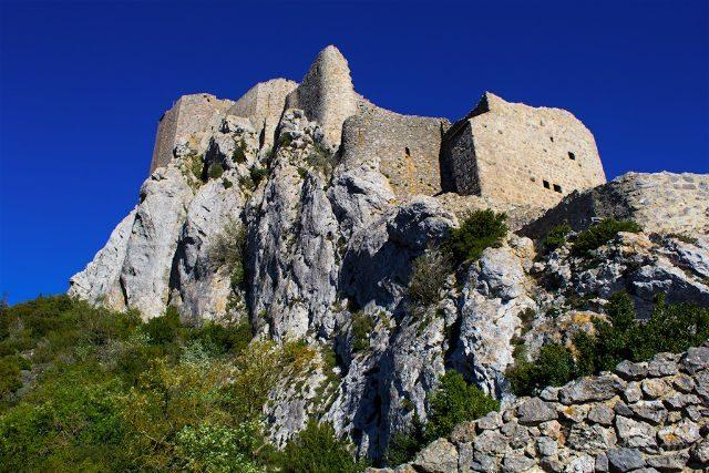 francia aude pais cataro castillo queribus creciendo roca