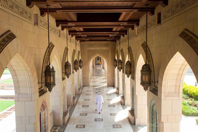 oman mascate muscat gran mezquita sultan qaboos columnas