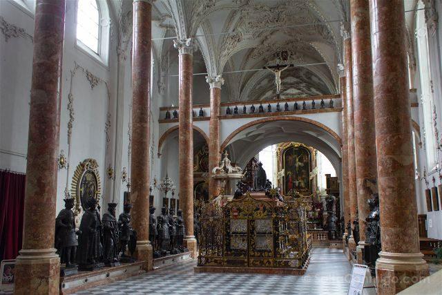 austria innsbruck hofkirche iglesia corte monumento maxiliano i