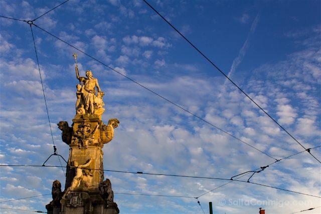 belgica flandes amberes marnixplaats monumento liberacion escalda