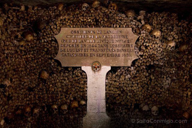 francia paris catacumbas huesos cementerio magdeleine