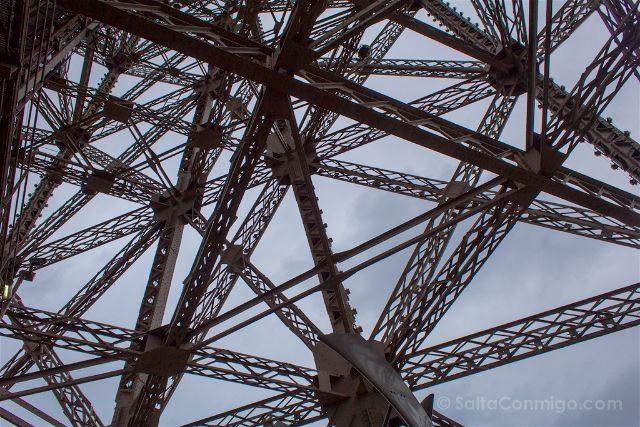 francia paris torre eiffel techo le jules verne estructura