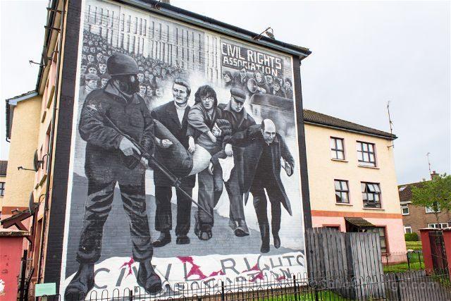 irlanda del norte derry londonderry murales bogside catolicos nacionalistas bloody sunday