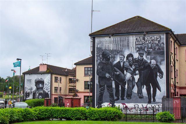 irlanda del norte derry londonderry murales bogside catolicos unionistas panorama