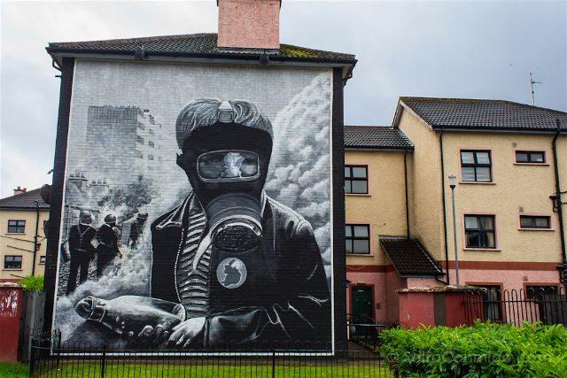 irlanda del norte derry londonderry murales bogside catolicos nacionalistas petrol bomber