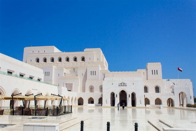 oman muscat mascate royal opera house teatro exterior