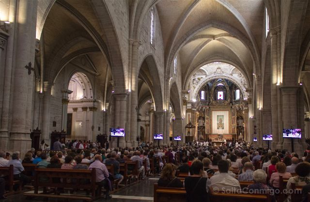 valencia catedral interior misa