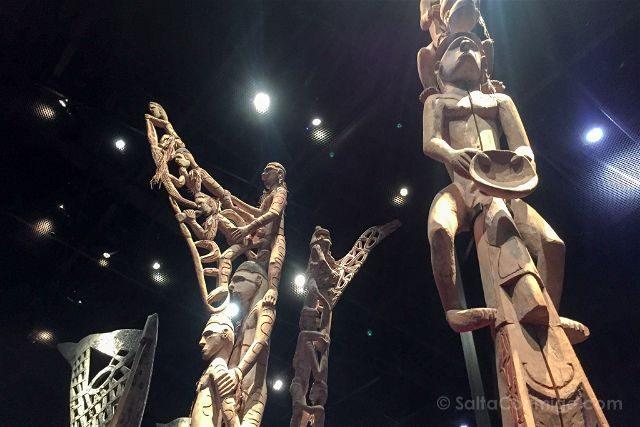 francia paris museo quay branly totems