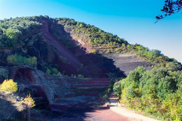 girona garrotxa parque natural zona volcanica volcan croscat cono abierto