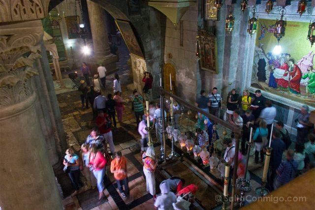 israel jerusalen iglesia santo sepulcro tumba gente