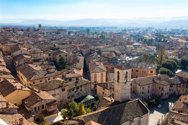 italia umbria gubbio vista terraza palacio consoli