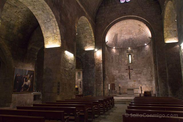 Catalunya Girona Besalu Iglesia Sant Vincenc Interior
