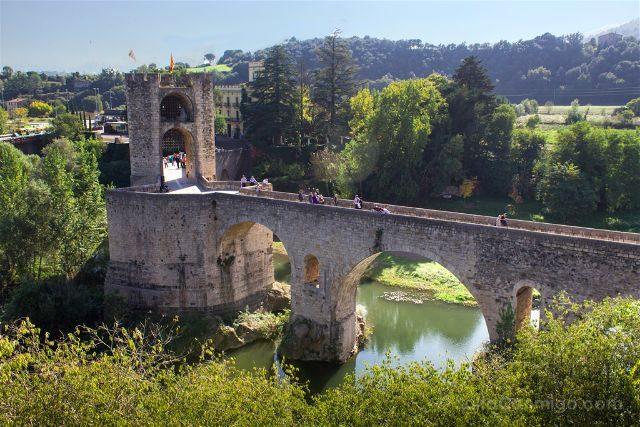 Catalunya Girona Besalu Puente Carrer Rocafort