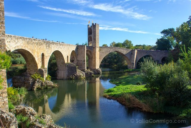 Catalunya Girona Besalu Puente Juderia