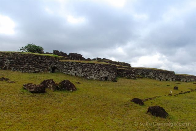 Chile Isla De Pascua Hombre Pajaro Orongo